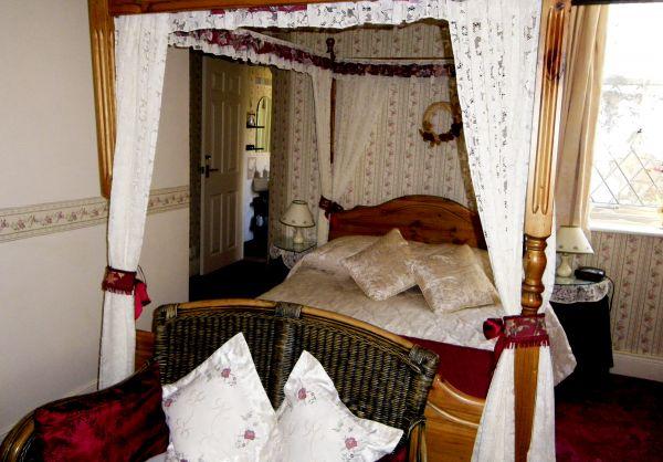 Rustic & peaceful, Room 1