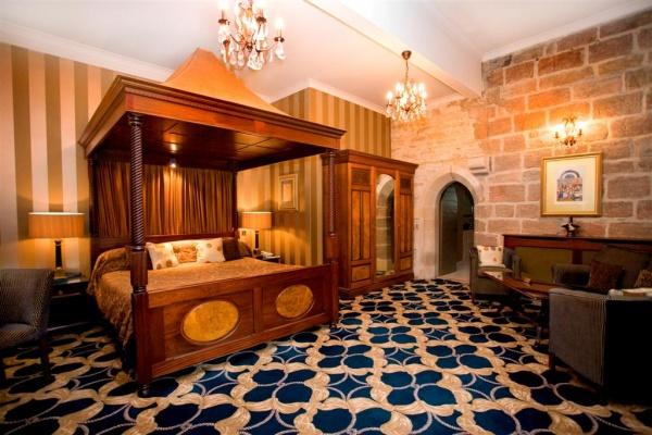 Radcliffe Room