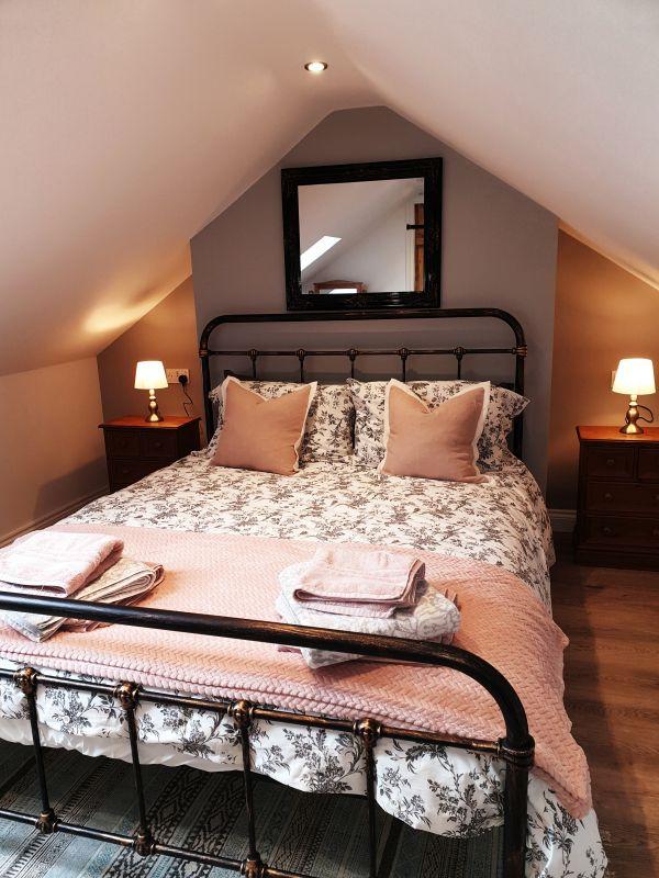 Aquila Cottage Bedroom