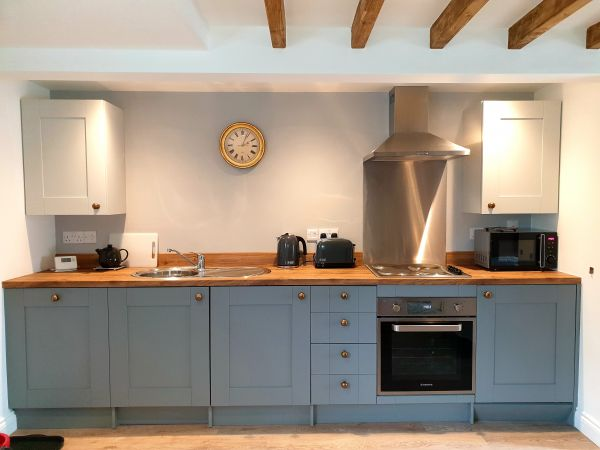 Aquila Cottage Kitchen