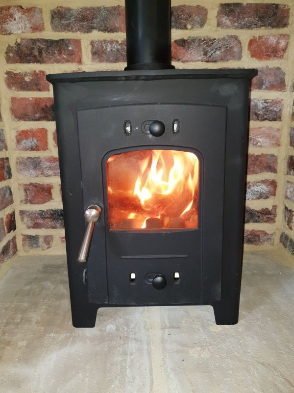 Aquila Cottage log burner