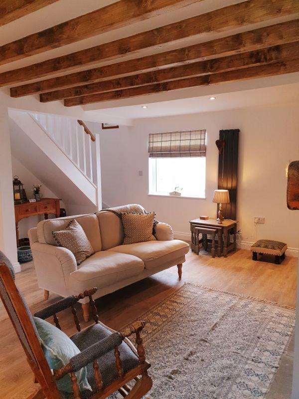 Aquila Cottage lounge
