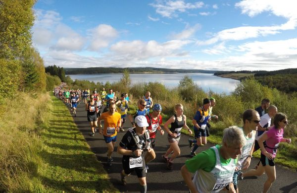 Thousands tackle Britain's most beautiful Marathon and half marathon
